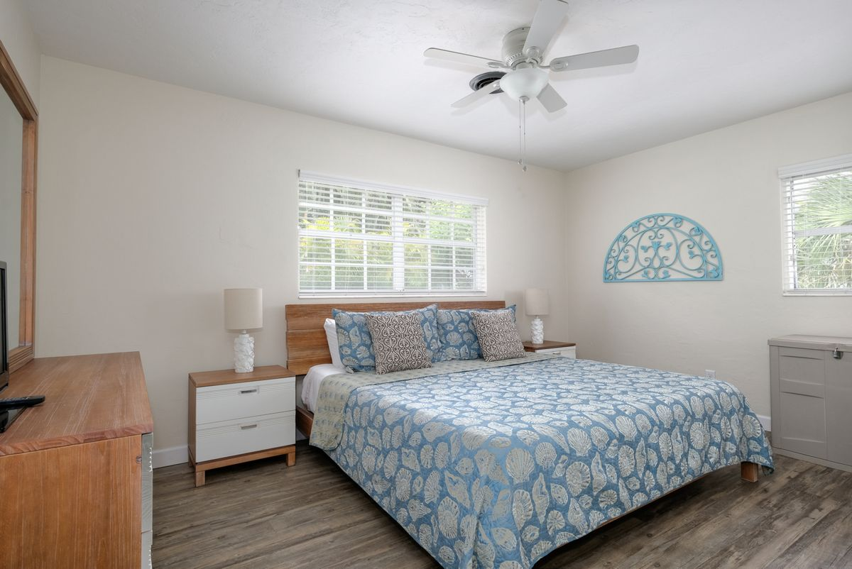Ceiling Fans and Relaxing Colors Provide Easy Rest