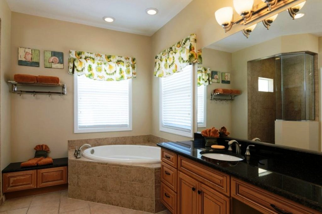 Walk-In Shower and Garden Tub