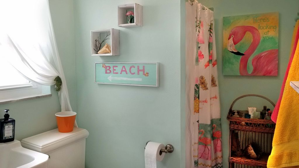 Bathroom that enters from the pool or home