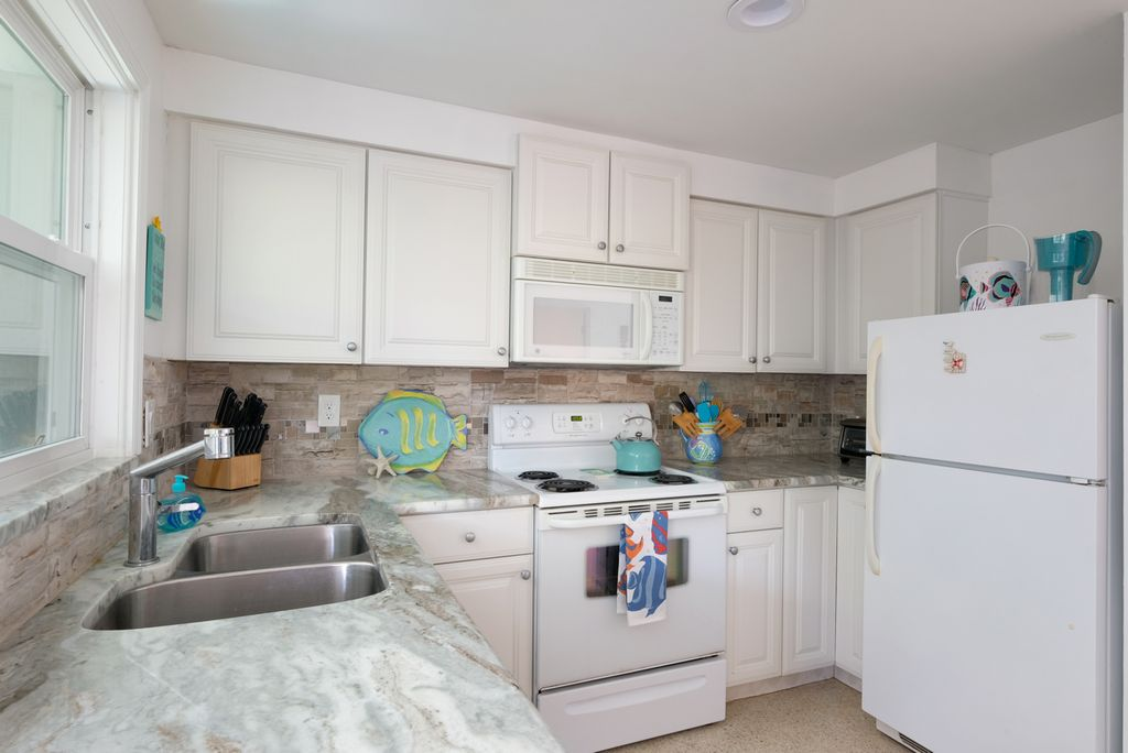 Bright and Cheery Remodeled Kitchen