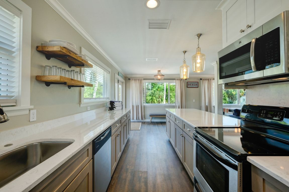 Kitchen Complete w/Everything You Need For Meals