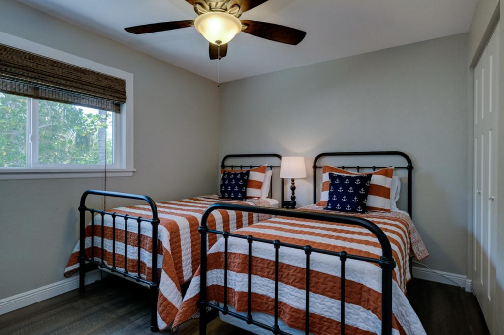 Guest Bedroom with Twins in 3rd Bedroom