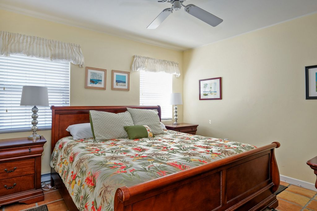 Tropical Decor with Ceiling Fan