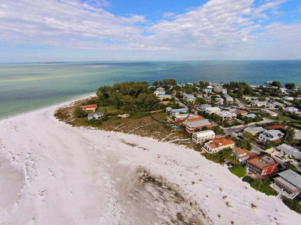 Ariel View of the Home to Beach