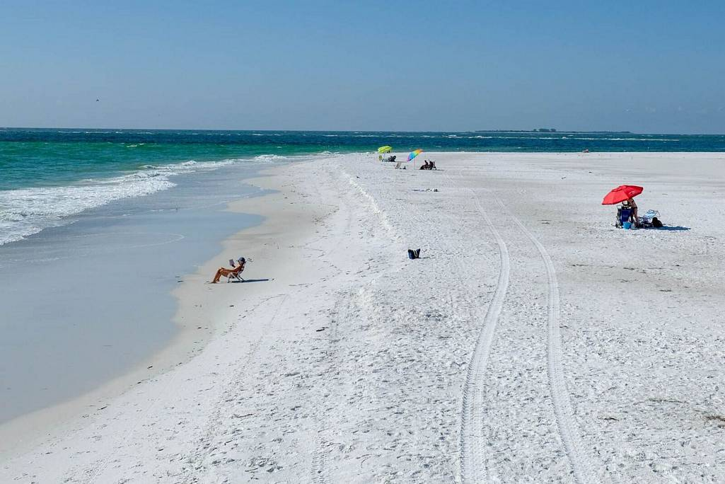 Enjoy Strolling the Beautiful Beaches of Anna Maria Island