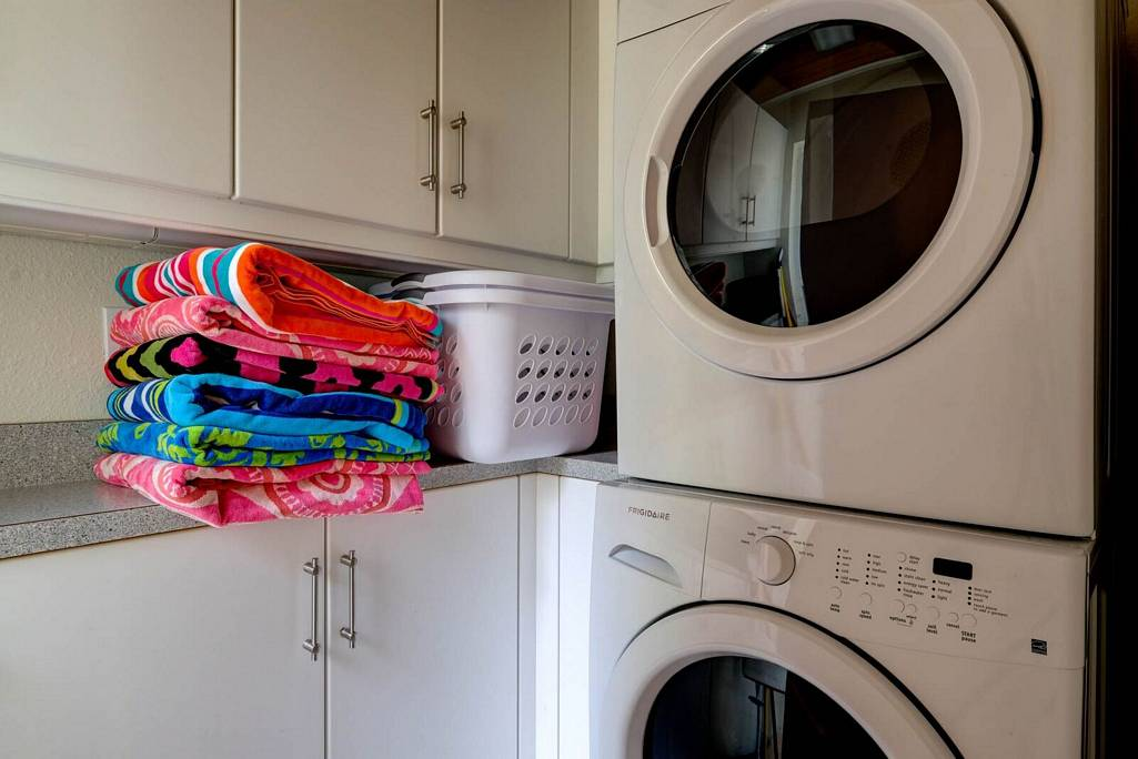 Laundry Room with Extra Cabinet Space