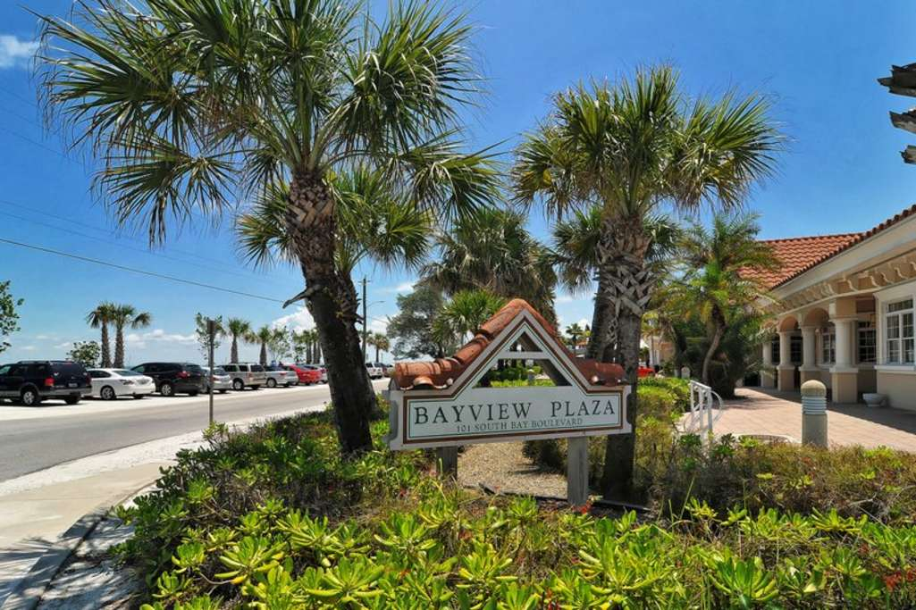 Anna Maria Shopping is a Free Trolley Ride North