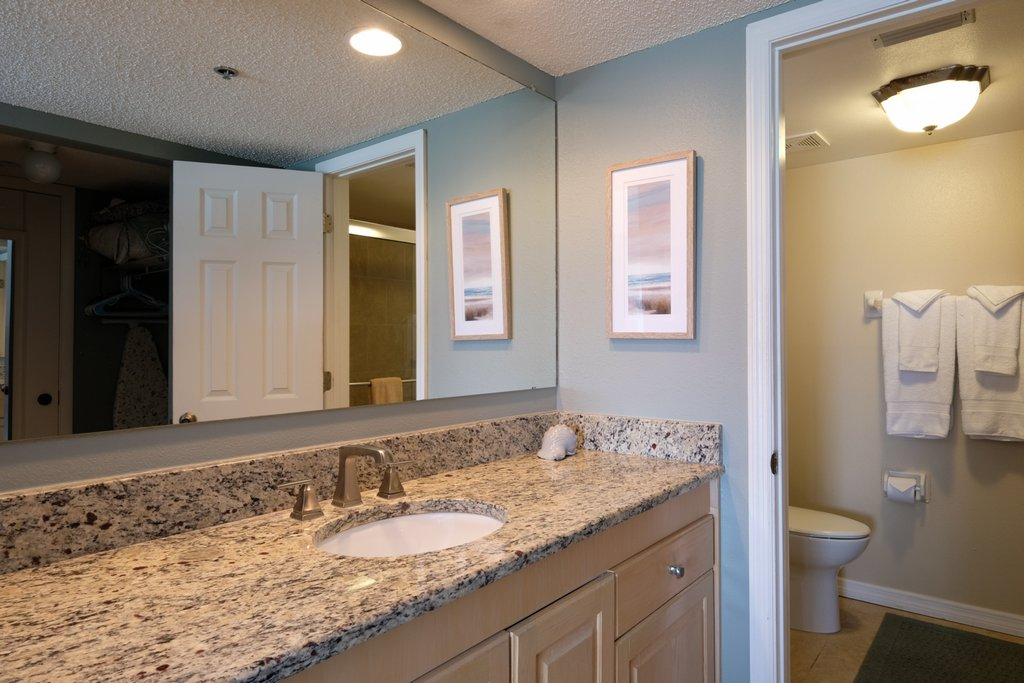 Master Bath with Walk-in Closet and Vanity for 2