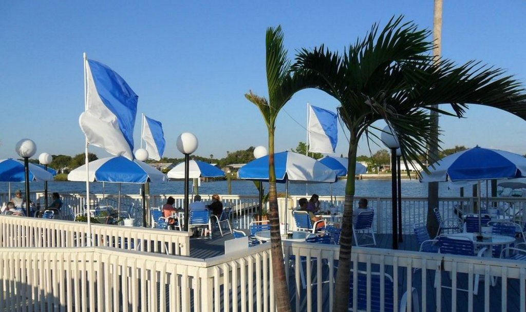 """Waterfront Dining Across the Road at """"The Pub"""""""