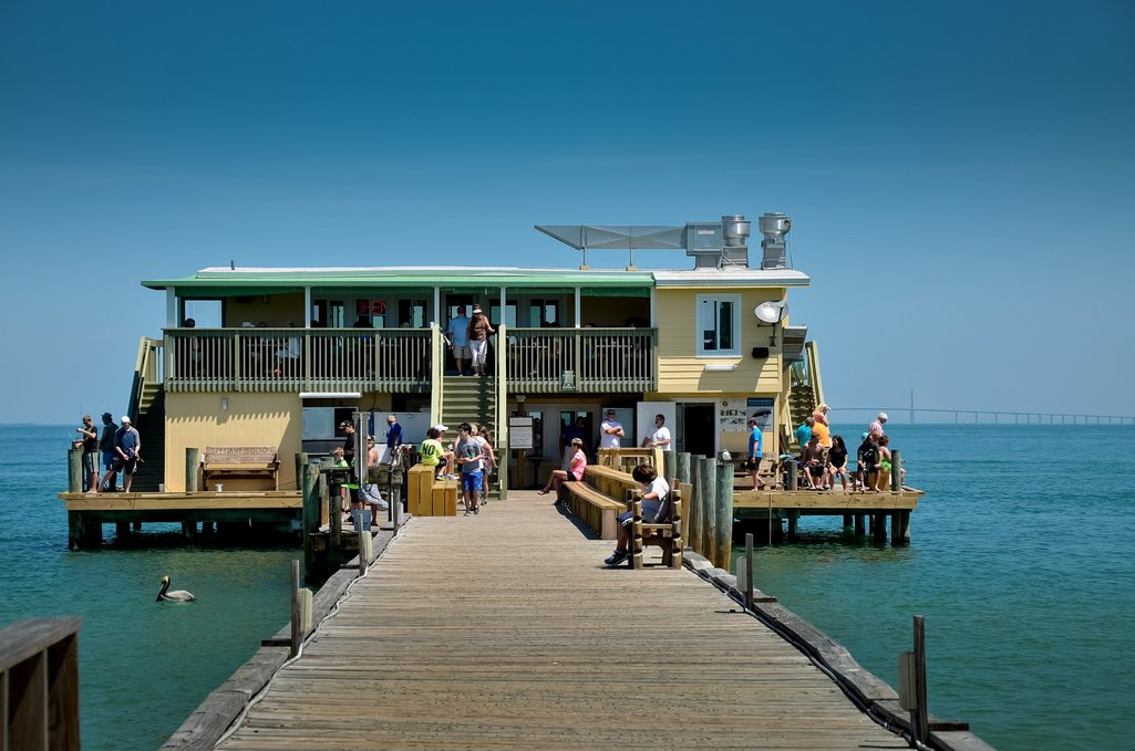 Rod & Reel Pier Where You Can Fish, Eat and Drink All Day
