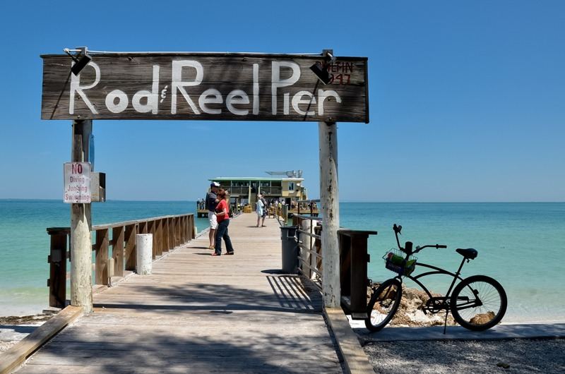 Dine, Fish, and Relax at the Rod and Reel Pier