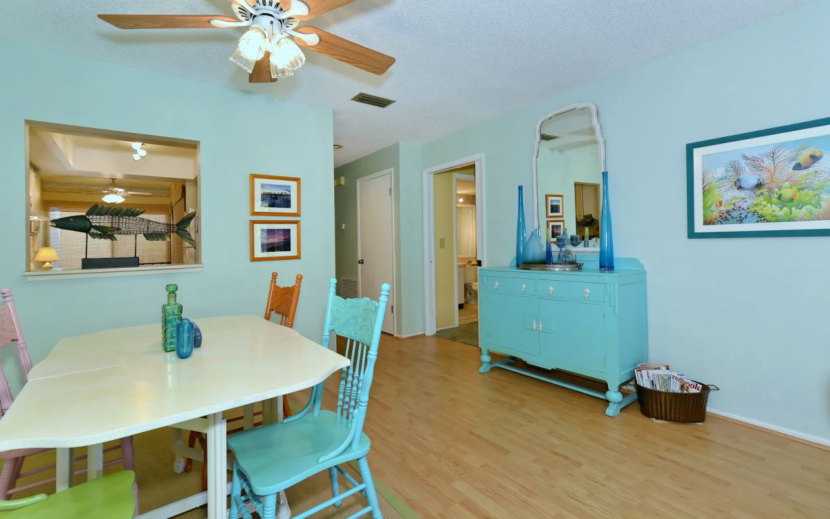 Carribean Vibe Throughout Dining Area