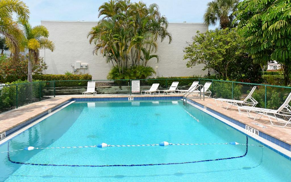 Lovely Heated Pool and Lounging Patio