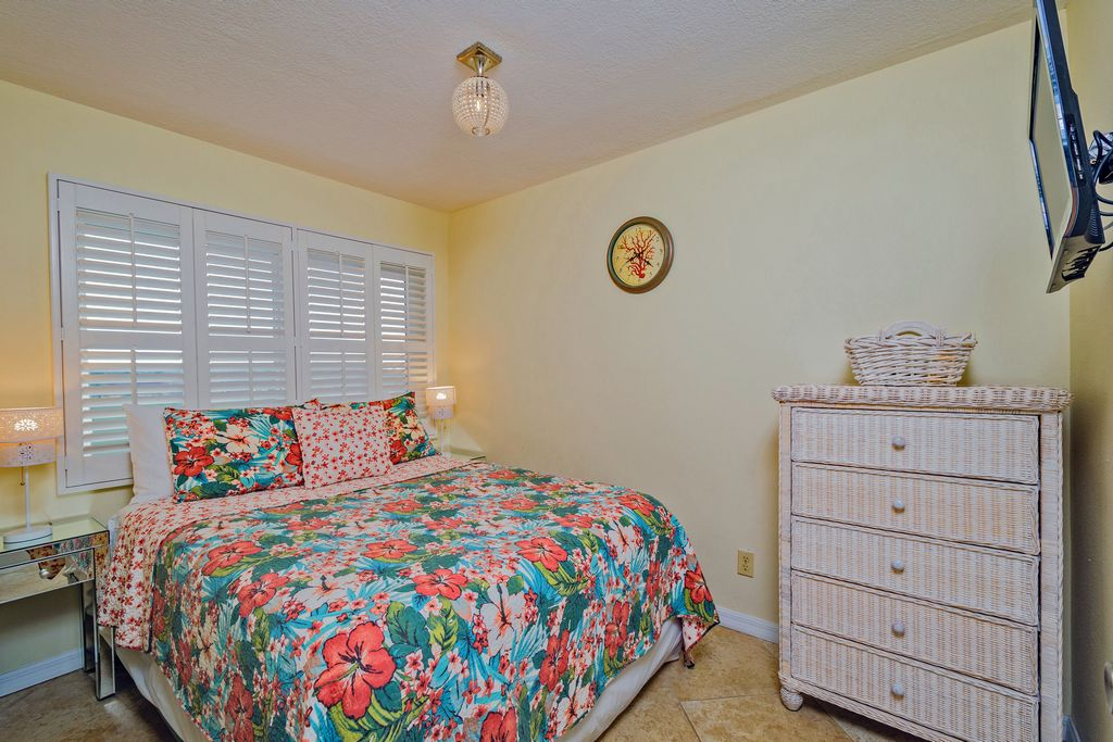 Third Bedroom with Queen and TV & View of Intercoastal