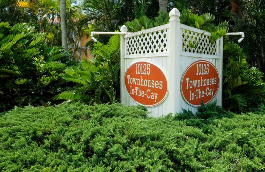Follow the Sign to Townhouses in the Cay
