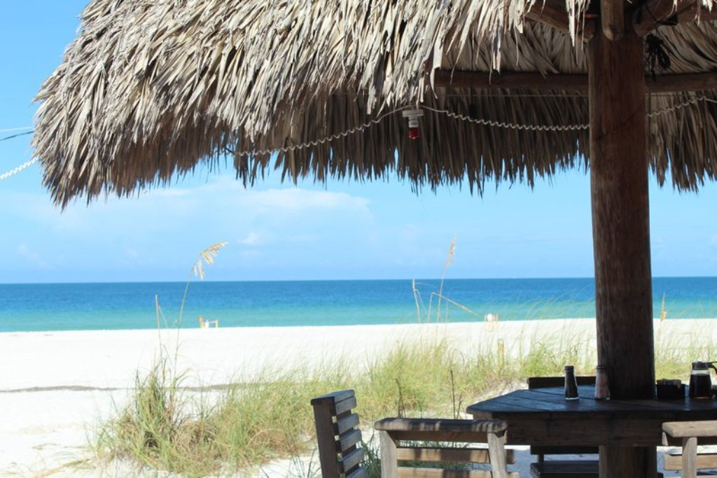 Tiki Bars On The Gulf Serve Food and Drinks All Day